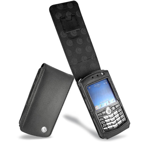 Blackberry pearl serie 8100 leather covers and cases noreve for Housse blackberry curve