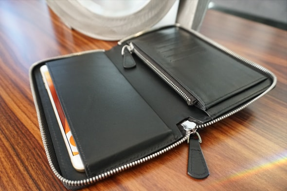 Wallet case for a smartphone